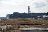 丘の向こうには福島第二原子力発電所が運転再開に向け急ピッチの復旧作業を行なっていた